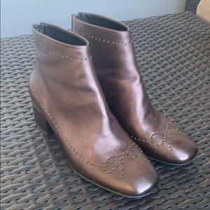 New Donald/Pliner Ankle Booties 7.5M
